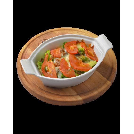 Курка гриль, запечена з овочами